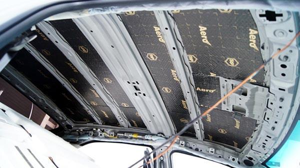 Крыша Камри 40 покрытая виброизоляцией