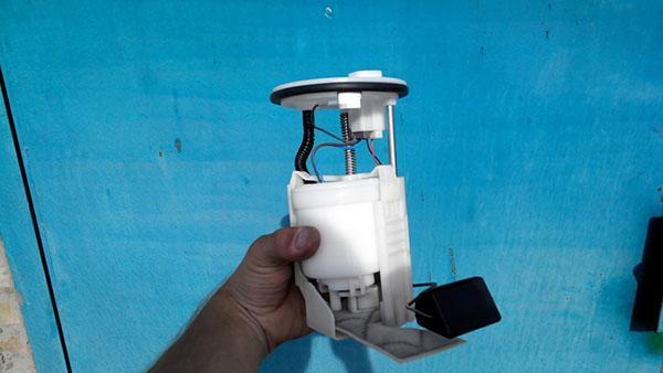 Топливный насос в сборе с фильтрами