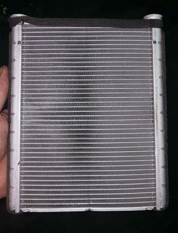 Радиатор печки Тойота Авенсис Т250