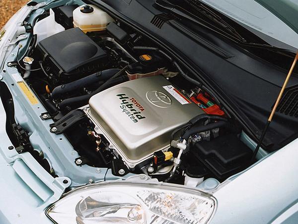 Под капотом Toyota Prius XW10