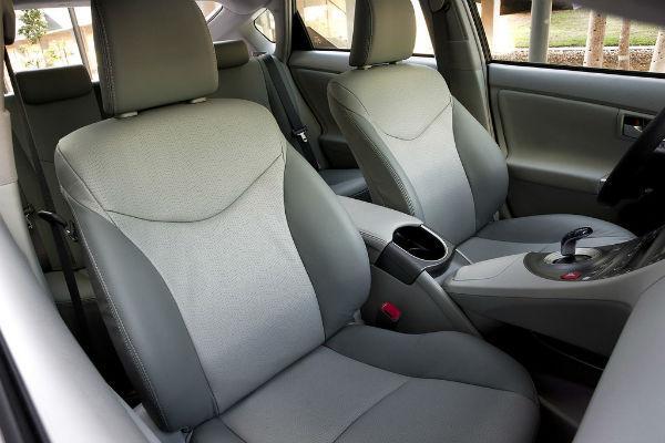 Салон Toyota Prius 30