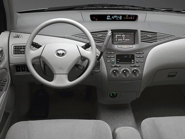 Салон Toyota Prius XW10