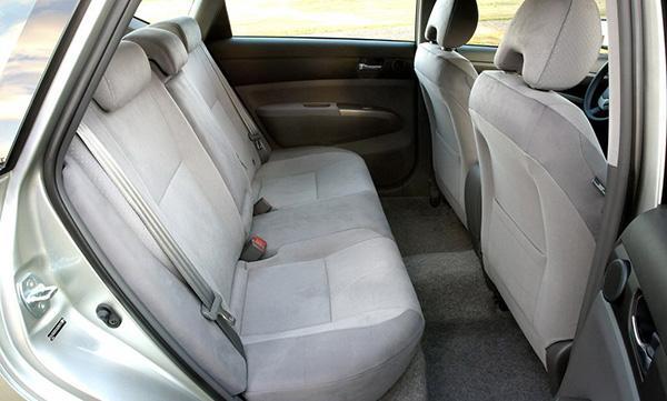 Второй ряд Prius XW20