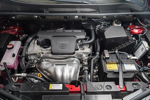 2.0 под капотом Toyota Rav 4 XA40