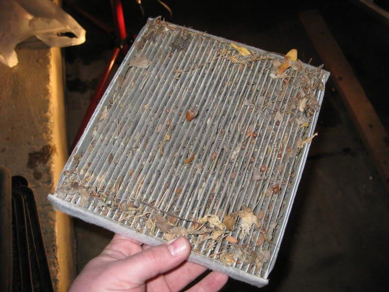 загрязненный фильтр салона