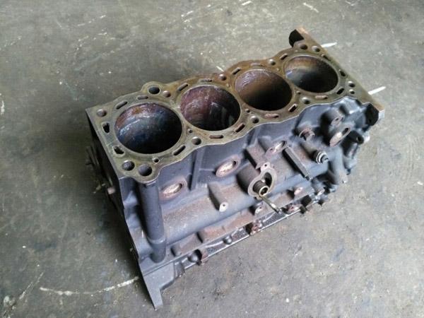 Блок цилиндров двигателя 2TR-FE