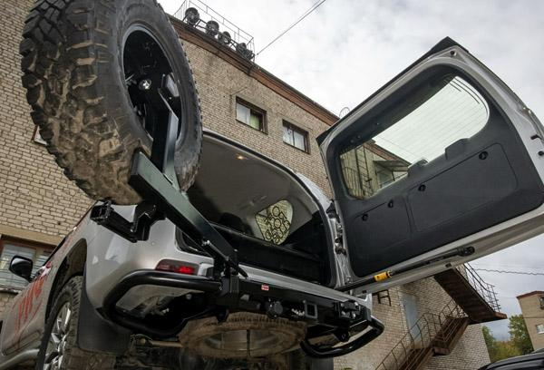RIF150-20206 задний силовой бампер РИФ на Toyota Land Cruiser Prado 150 c калиткой для запаски.
