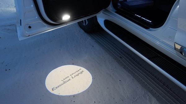 Световая проекция Toyota LandCruiser 200 ExecutiveLounge