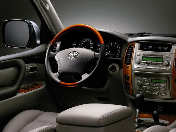 Салон Toyota Land Cruiser 100