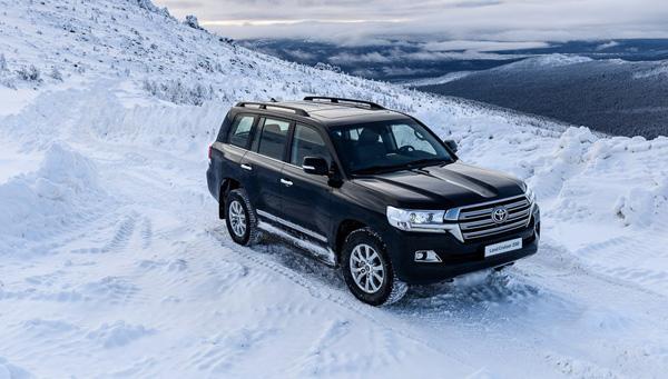 Toyota Land Cruiser 200 зимой