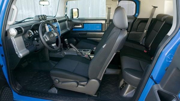 Водительское сидение Toyota FJ Cruiser