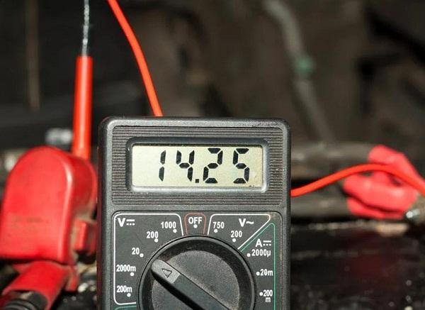 Проверка аккумуляторной батареи Ленд Крузер