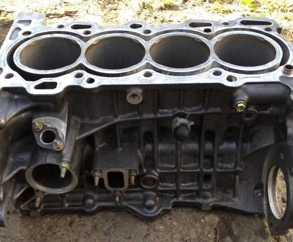 Алюминиевый блок цилиндров 2ZZ-GE