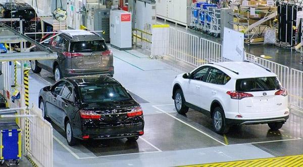 На заводе Toyota в Санкт-Петербурге.