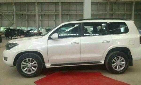 Китайская копия Land Cruiser 200