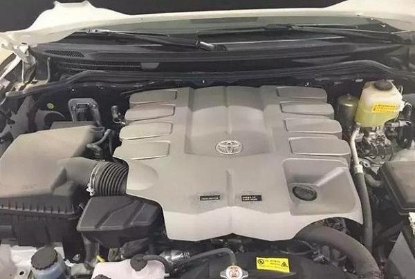 Бензиновый мотор на 4,6 л FT8VG46KH