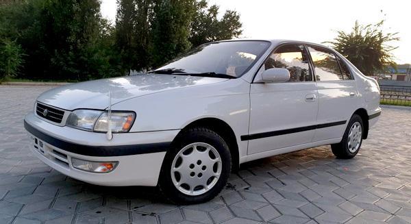 Toyota Corona 1995 года выпуска