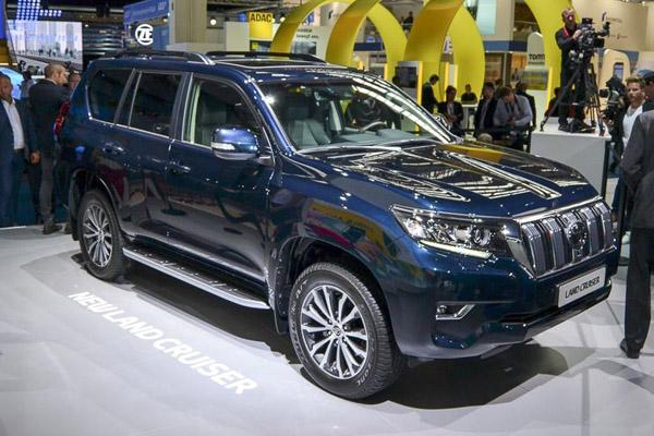 Toyota Land Cruiser Prado 150 в автосалоне во Франкфурте