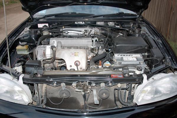 Двигатель 4S-FE под капотом Toyota Corona