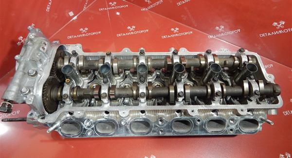 ГБЦ с распредвалами двигателя Toyota 1G-FE