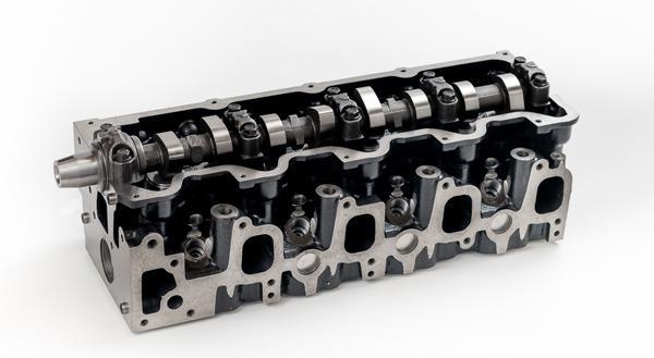 ГБЦ двигателя Toyota 5L-E с одним распредвалом SOHC