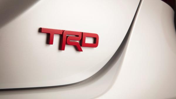 шильдик TRD Toyota Камри
