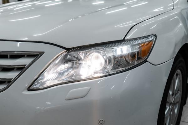 Toyota Камри свет