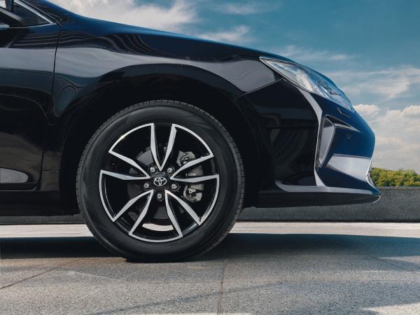 Toyota Камри Exclusive