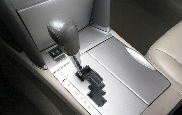 рычаг коробки передач Toyota Camry 40 Hybrid